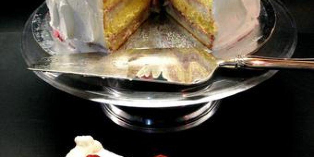 Angel food ai lamponi con crema tiramisù – Una ricetta di Ada Parisi